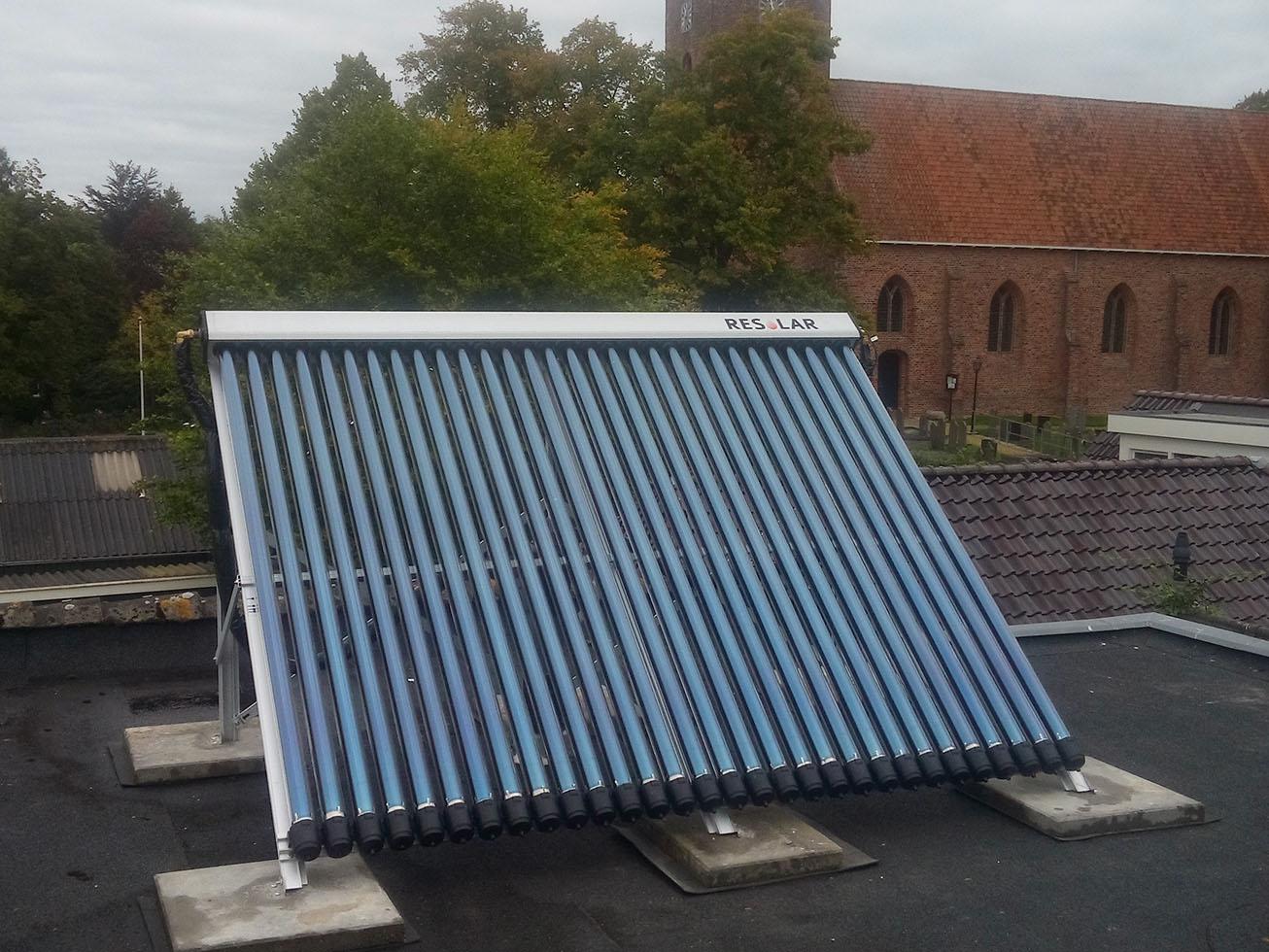 Zonnepanelen en zonneboiler installatie